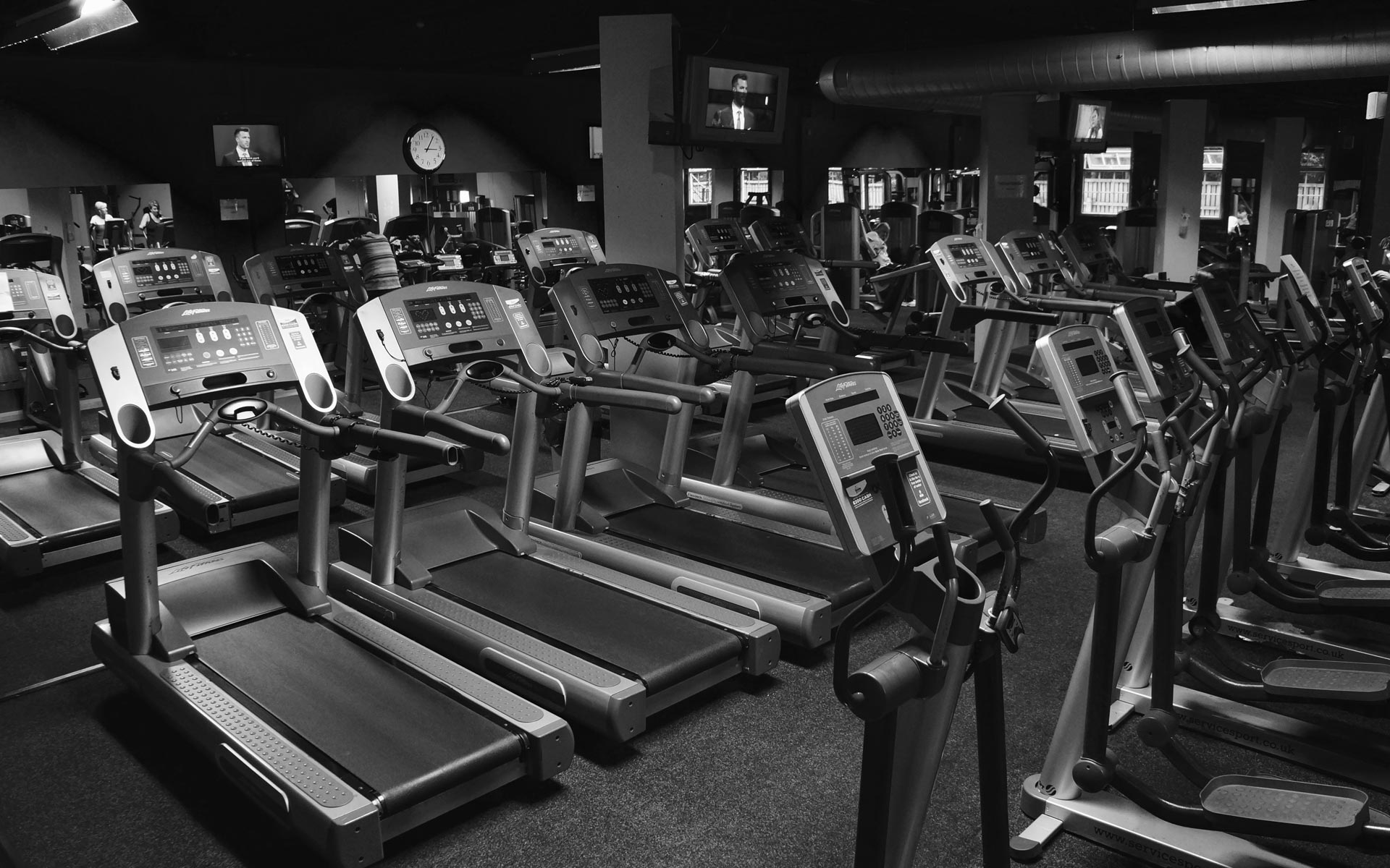 huge treadmill running area at streamline health and fitness gym wibsey bradford